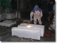Exfoliation of granite by hand